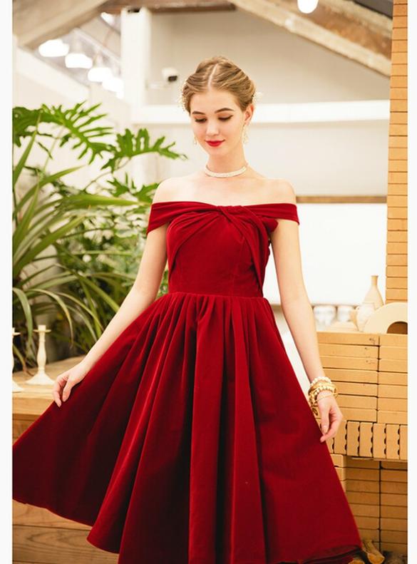 In Stock:Ship in 48 Hours Velvet Pleats Homecoming Dress