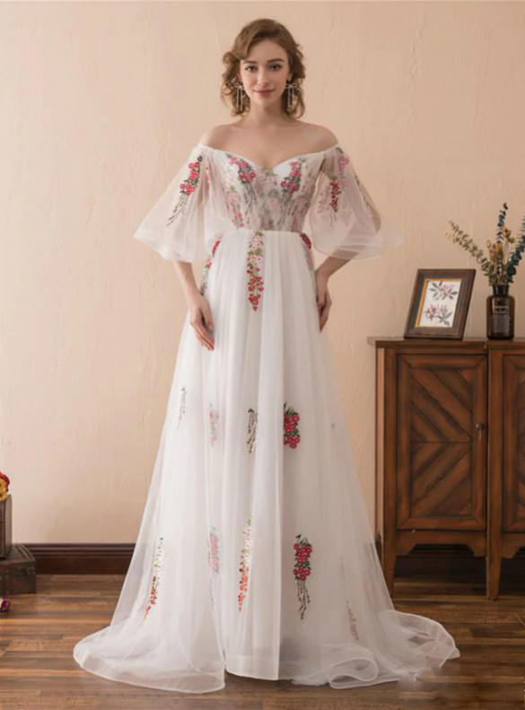 White TUlle Embroidery Short Sleeve Prom Dress