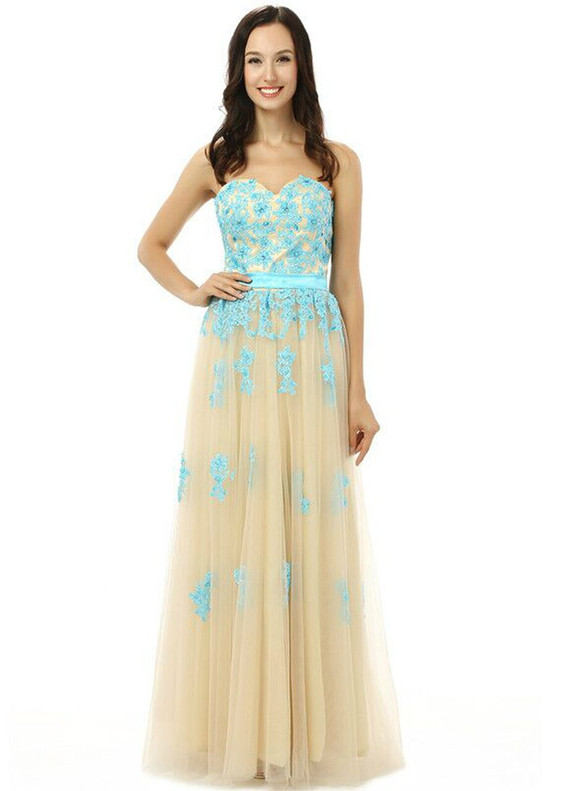 Champagne Tulle Strapless Appliques Bridesmaid Dress