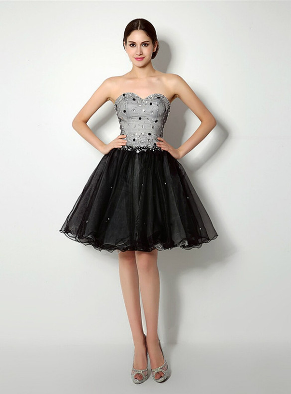 Black Tulle Strapless Beading Crystal Homecoming Dress