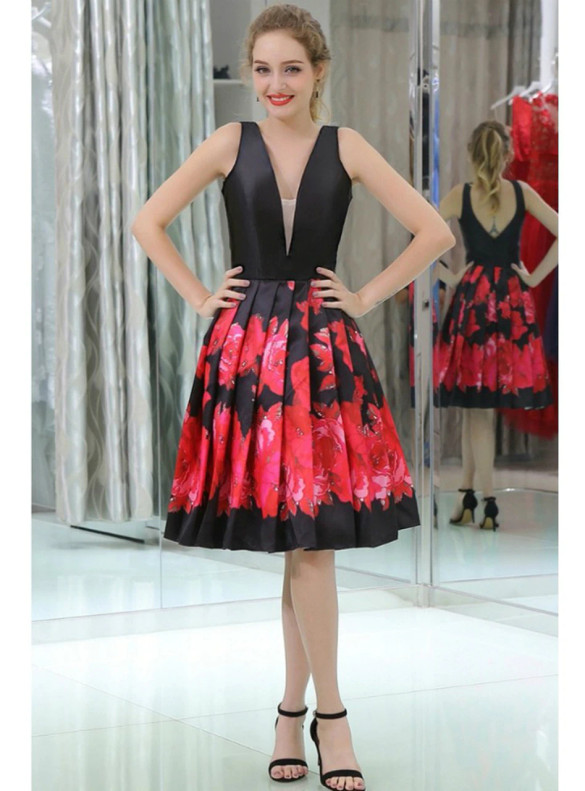 Black Satin Print Pleats V-neck Homecoming Dress