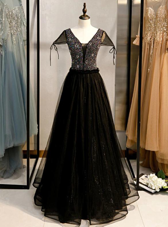 Black Tulle V-neck Beading Prom Dress