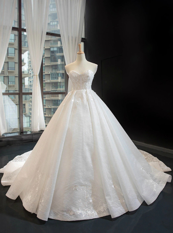 White Tulle Appliques Sweetheart Wedding Dress