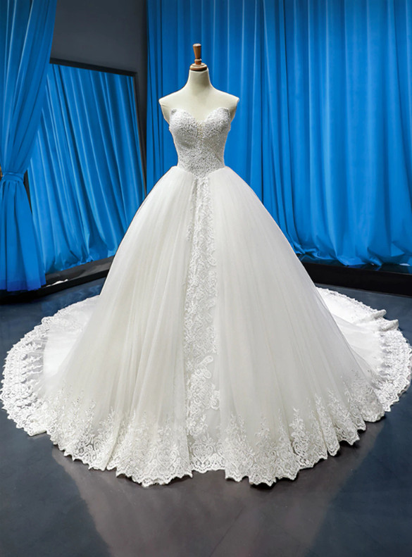 White Sweetheart Tulle Appliques Beading Wedding Dress
