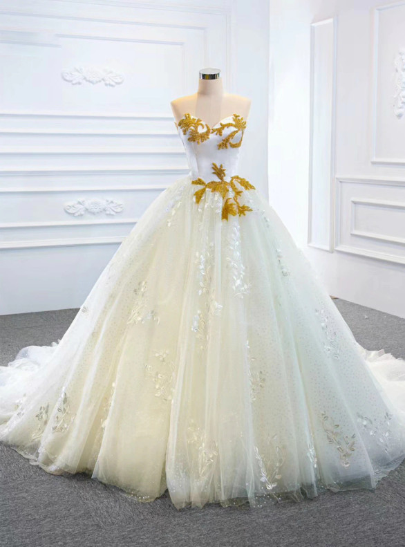 White Tulle Appliques Sequins Beading Wedding Dress
