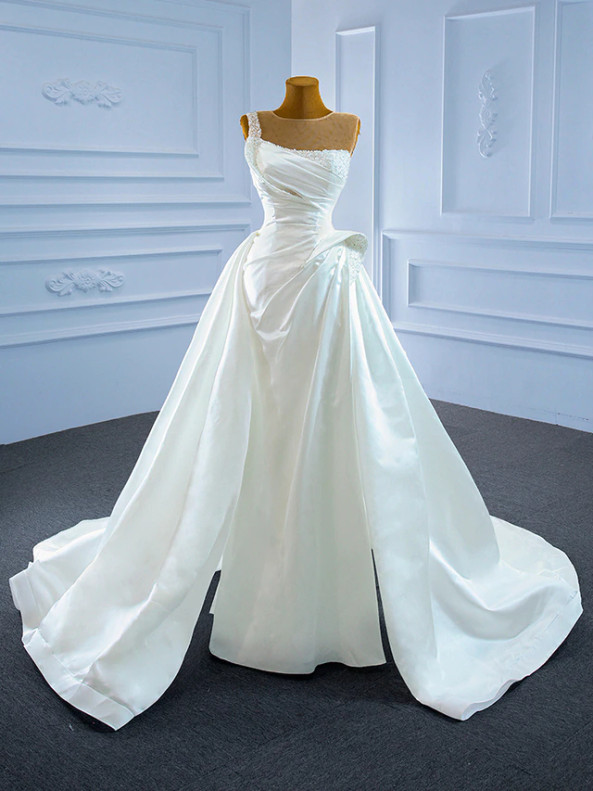 Sexy White Satin Pleats Pearls Wedding Dress