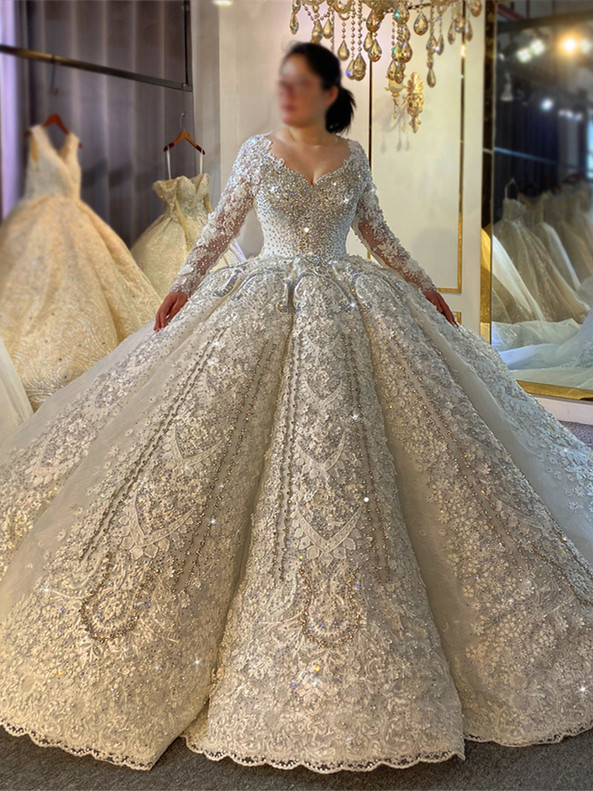 Square Luxury Lace Appliques Long Sleeve Crystal Wedding Dress