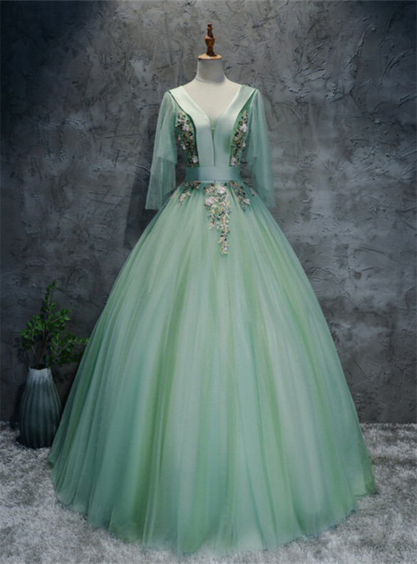 Green Tulle V-neck Appliques Quinceanera Dress