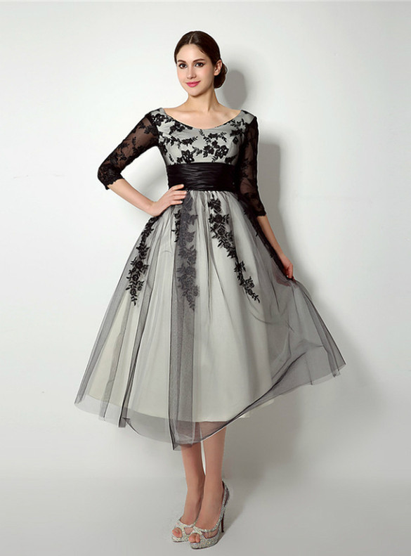 Black Tulle Appliques 3/4 Sleeve Short Prom Dress