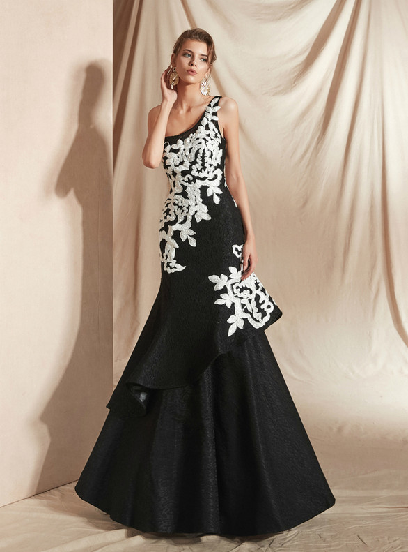 Black Mermaid Lace One Shoulder White Appliques Prom Dress