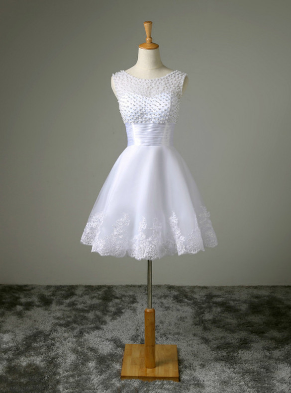 White Tulle Appliques Pearls Short Wedding Dress