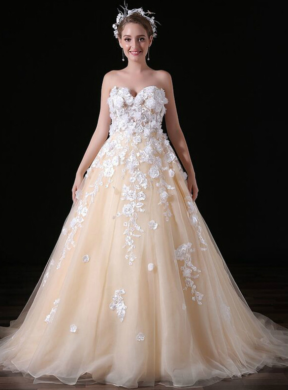 Champagne Tulle Appliques Strapless Wedding Dress