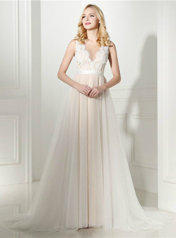 Tulle Appliques See Through Back Wedding Dress