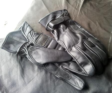 110.glove.jpg