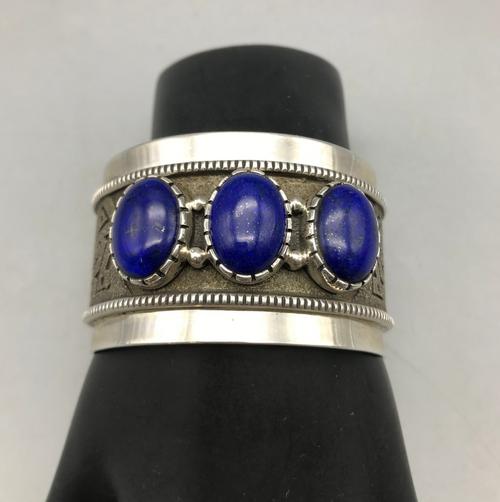 3-stone lapis bracelet
