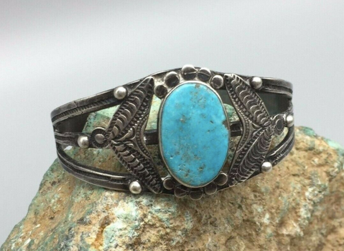Fred Harvey Era cuff, bright blue turquoise stone