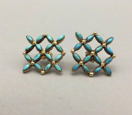 14k Gold Zuni needlepoint earrings.