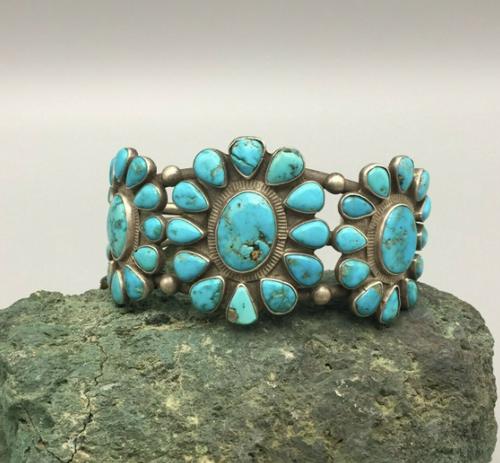 Lovely turquoise cluster bracelet
