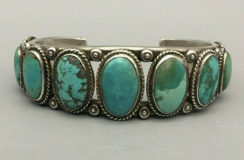 Vintage nine turquoise stone bracelet