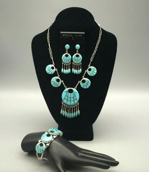 Annie Quam Gasper Necklace set