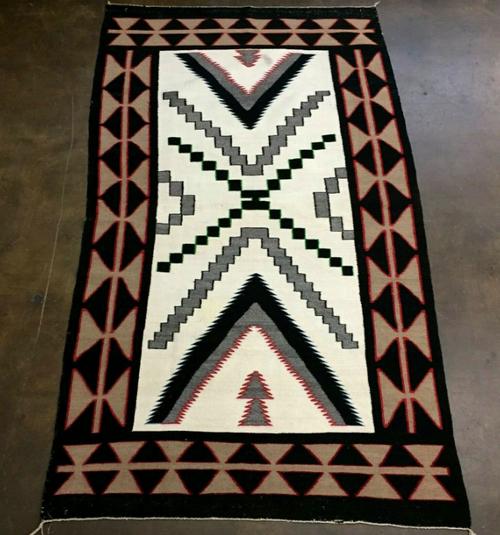 Red Mesa design woven rug