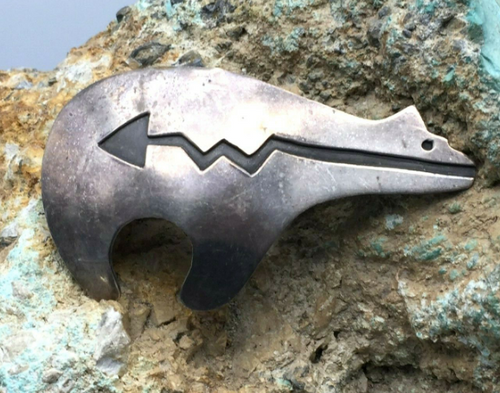Bear pin