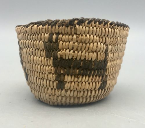 willow and devil's claw miniature basket from the Pima tribe
