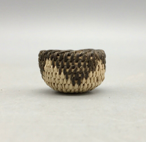 willow and devil's claw miniature basket from the Pimas