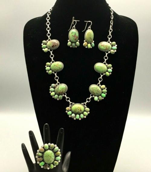 Gaspeite necklace set