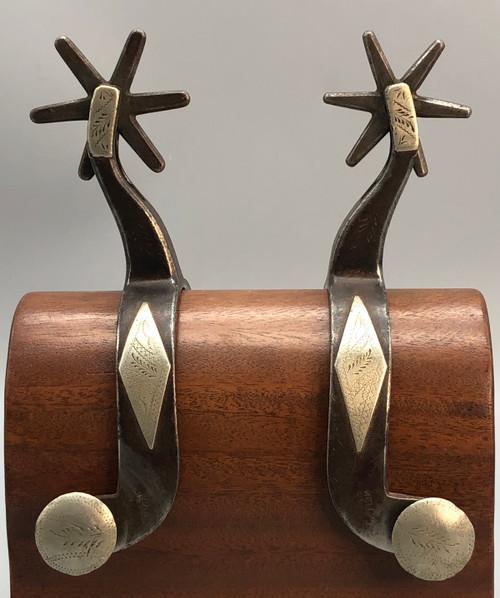 Kelly Bros., diamond pattern, single mounted