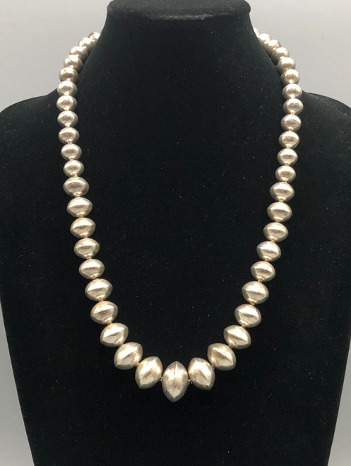 Elegant Navajo Pearl Necklace