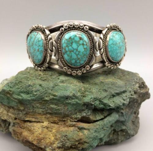 3-stone turquoise bracelet