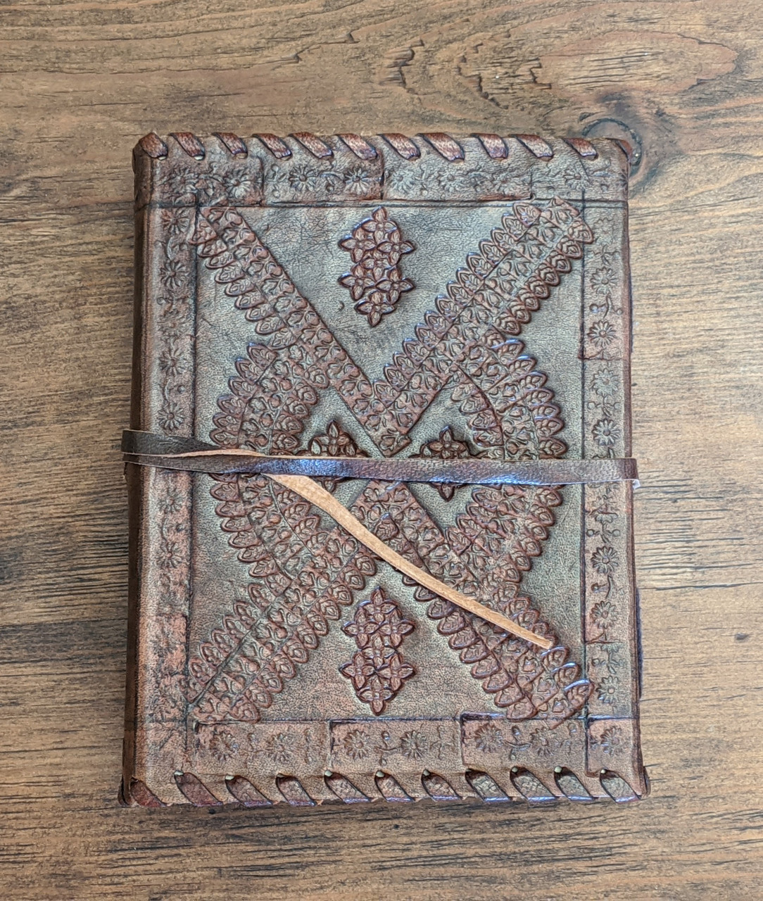 LEATHER JOURNAL - Old World Style - back cover view