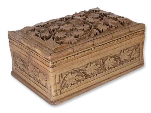 Ivy Love jewellery box