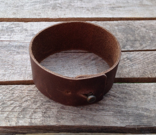 Wide leather wrist band - engravable