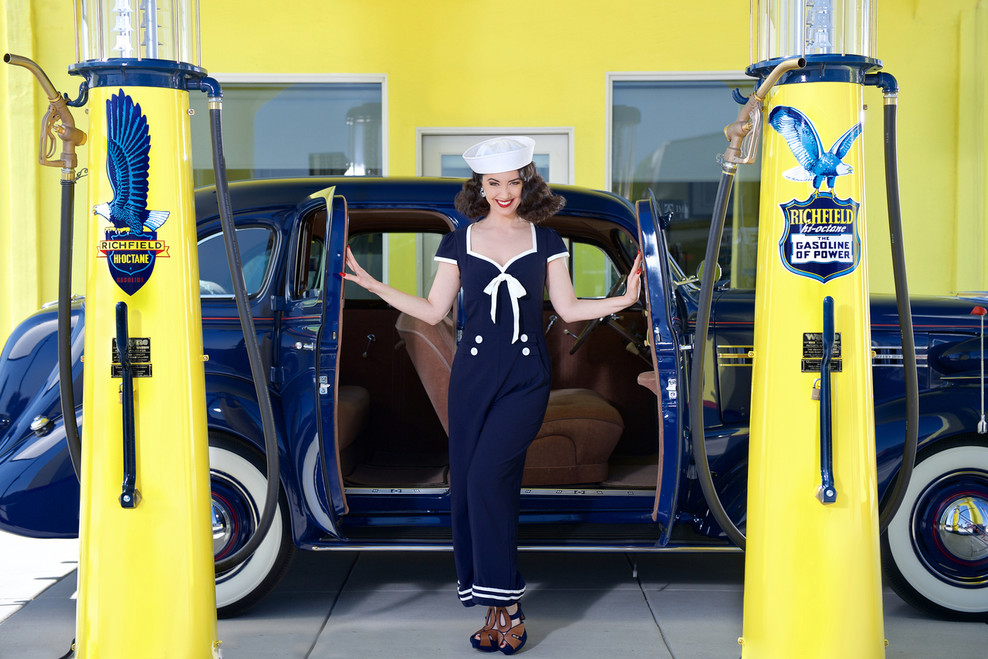 Gas Station Pin-Up