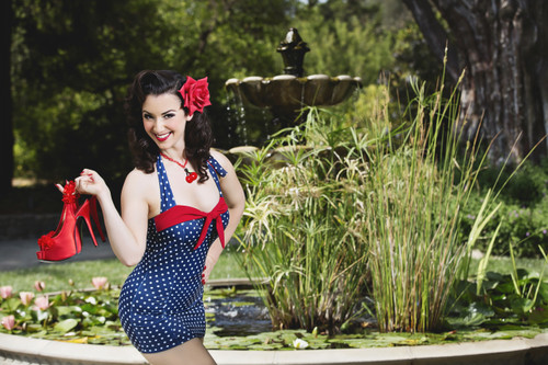 Summertime Pin-Up