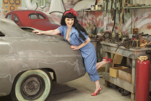 Mechanic Pin-Up