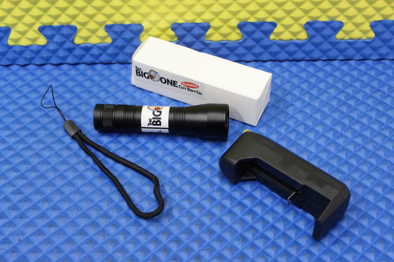 The Big One Cut Bait Co. Alewife High Powered UV Flash Light With Charger