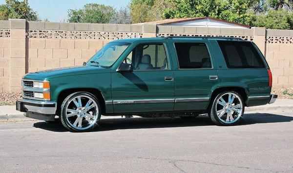"2/4 McGaughys Deluxe Drop Kit - 22"" Wheels - 265/35R22 Tires"