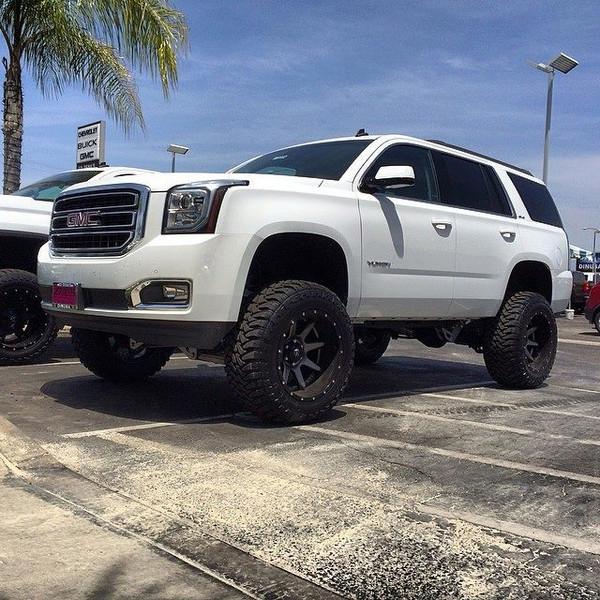 "Chevrolet Tahoe 2015-2019 7"" McGaughys Deluxe Lift Kit"