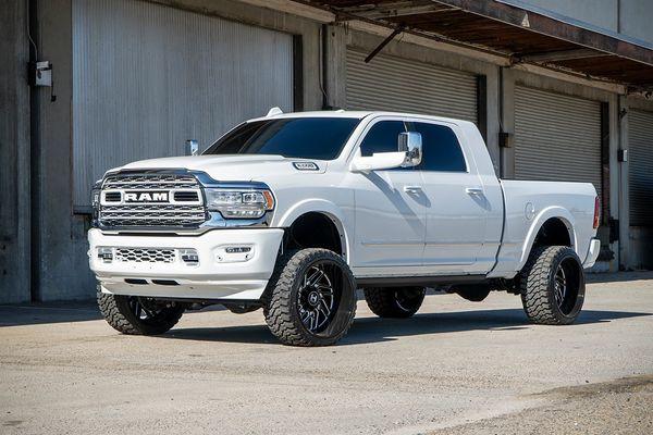 "Dodge Ram 3500 4wd 2019-2020 4"" **PREMIUM** Mcgaughys Lift Kit (4WD, Leaf Spring Rear)"