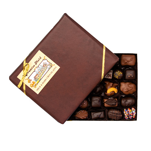 3/4 Milk & Dark Chocolate Classic Assortment Gift Box