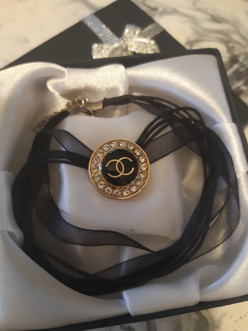 CHANEL necklace  (black circle)