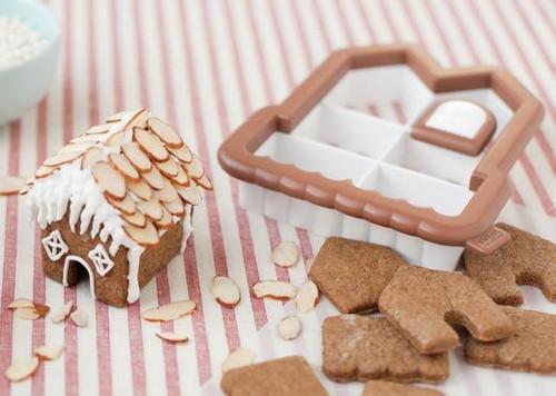 3D Gingerbread House Mini Cutter