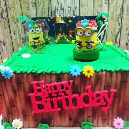 Birthday Cake With Minion Toppers
