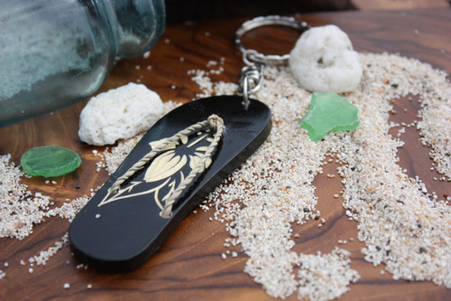 Keychain Wooden Slipper w/ Carved Hibiscus - Hawaiian Style