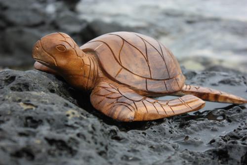 "Carved Hawaiian Turtle Honu 12"" Natural - Hand Carved | #yu40330n"
