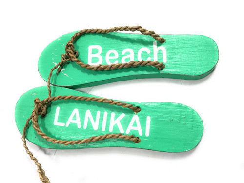 """Pair Of Wooden Slippers """"Lanikai Beach"""" Hanging Sign 8"""" - Mint 