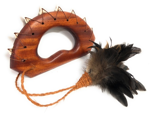 "Ali`i Koa Knuckle Duster 9"" w/ Shark Teeth Black Feathers